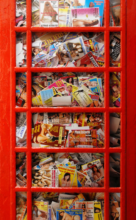 Ben_Long_red_phonebox_phonebooth_tart_card_pornography_poubelle_de_jour_damien_hirst_arman_prostitute_prostitution_uk_london_belle
